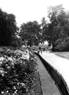 Photo of Fulham, Bishop's Park from Francis Frith London History, Local History, Fulham, Old London, Slums, Old City, Old Photos, Childhood Memories, Cities