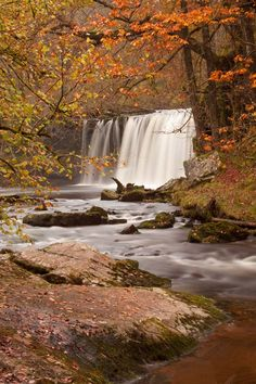Peter Hulance Landscape Photography: Sgwd Ddwli Waterfall in Brecon Beacons Beautiful Nature Pictures, Nature Photos, Amazing Nature, Landscape Photography, Nature Photography, Travel Photography, Wall Of Water, Brecon Beacons, Places Of Interest