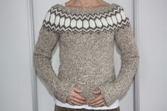 Icelandic sweater - who makes this? Pullover Design, Sweater Design, Icelandic Sweaters, Sweater Weather, Knit Patterns, Knitwear, What To Wear, Knit Crochet, Style Me