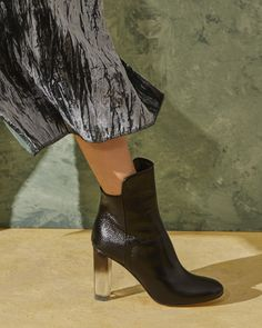 CHIARA 95 // BLACK PATENT WITH A LUCITE HEEL
