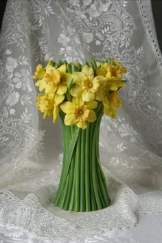 Jonquils Table Vase