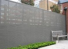 horizontal fencing in grey, sleek and contemporary
