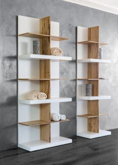 Cupboard with fully visible shelves. Colonna a giorno in speciale legno di Briccola veneziana. #briccola #wood #venicememories #dezottidesign #contrasts