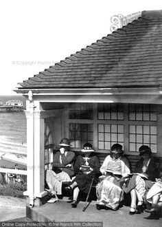 Photo of Cromer, Women Reading 1936 from Francis Frith English Summer, British Summer, Great British, Vintage Photographs, Vintage Images, Robert Johnson, Nostalgic Images, Cromer, Time And Tide