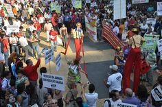 Ato público na Praça da República - SP. Tema: Governo Geraldo Alckmin não cumpre acordo e manipula trabalhadores com falsas promessas (Performance e atuação Roselaine Cruz)