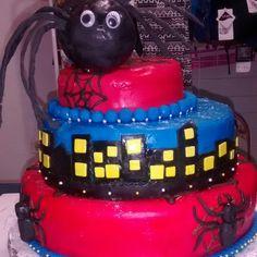 Mi super niño merece una hermosa torta de hombre araña fuera de serie