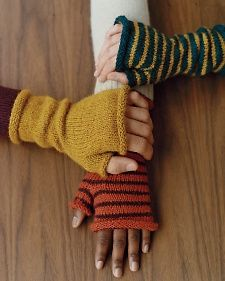 How to knit fingerless mittens.