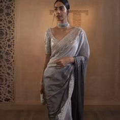 Wedding Lehenga Designs, Designer Sarees Wedding, Bridal Blouse Designs, Saree Blouse Designs, Pakistani Bridal Dresses, Indian Dresses, Ethnic Outfits, Indian Outfits, Mouni Roy Dresses