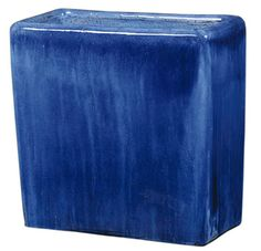 Tall rectangular planter dark blue. I would love this by a pool! // Great Gardens & Ideas
