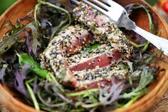 MsMarmiteLover: Recipe: seared sesame seed tuna with strawberry bruschetta http://www.msmarmitelover.com/2014/07/recipe-seared-sesame-seed-tuna-with.html?utm_content=buffer30a86&utm_medium=social&utm_source=twitter.com&utm_campaign=buffer