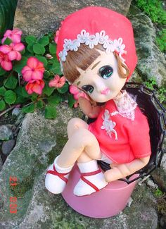 "Vtg Big Eye Mod Era Cloth Japan Doll on Music Box Hasegawa Art no: HQI(256-3), Music, ""Anniversary Song"" ~ Sold for $40"