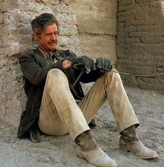 Ryan tuckered out chasing THE WILD BUNCH (1969) Western Film, Western Movies, Hollywood Actor, Classic Hollywood, Sam Peckinpah, Still Of The Night, Robert Ryan, The Wild Bunch, Cinema