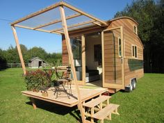 It's like a wooden Airstream! La Tiny House from France