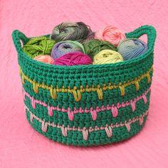 Spikes Yarn Basket By Julie King - Free Crochet Pattern - (ravelry)