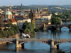 Praga a cidade das cem cúpulas - Bilhete de Viagem