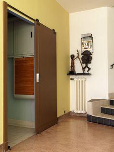 A mansion built in 1927 by Robert Mallet-Stevens for two brother sculptors Joël and Jan Martel Calistoga Hotels, Studio Interior, Interior Design, 1930s House Renovation, Pierre Chareau, Robert Mallet Stevens, Perriand, Art Deco Furniture, Living Room Art