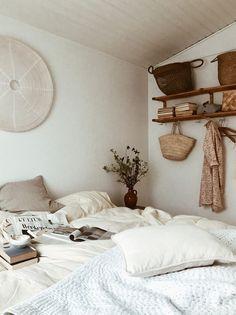 A Danish Summer Cabin Near The Sea – THE STYLE FILES Cheap Rustic Decor, Cheap Wall Decor, Romantic Home Decor, Quirky Home Decor, Luxury Homes Interior, Home Interior, Interior Colors, Interior Design, Home Remodel Costs