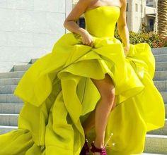 Miroslava Duma in a neon yellow dress Miroslava Duma, Vestidos High Low, Prom Dresses, Formal Dresses, Summer Dresses, Mellow Yellow, Neon Yellow, Blake Lively, Celebrity Dresses