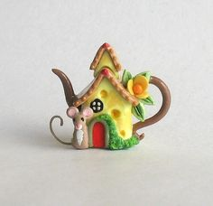 Miniature Wee Mouse Cheese House Teapot