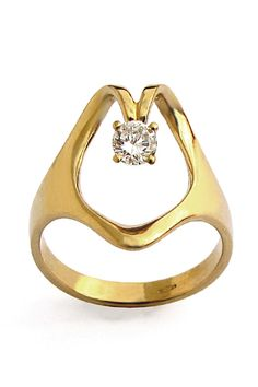 20 Engagement Rings For Unique Brides #refinery29  http://www.refinery29.com/58904#slide12