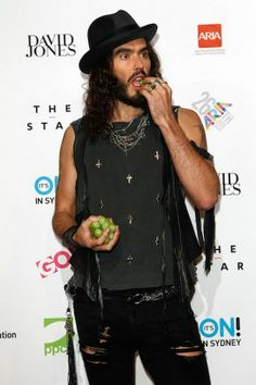 Russel Brand Russell Brand Quotes, Rock Style, My Style, Eccentric Style, Harajuku Girls, Don Juan, Famous Men, Fashion Branding, Hats For Men