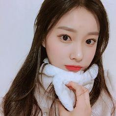 K-Pop Babe Pics – Photos of every single female singer in Korean Pop Music (K-Pop) Secret Song, Sung Kyung, Fandom, Japanese Girl Group, Famous Girls, Female Singers, The Wiz, Ulzzang Girl, K Idols