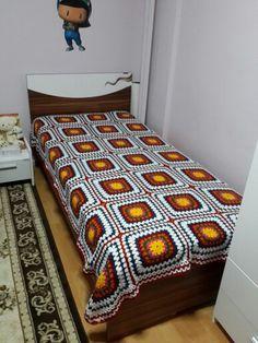 El örgüsü yatak örtüleri