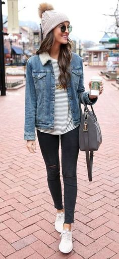 48 Stylish Winter Outfits Ideas You Should Try #Fashion https://seasonoutfit.com/2018/01/14/48-stylish-winter-outfits-ideas-you-should-try/