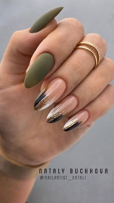 Fab nail art designs for all of the manicure inspiration you need - These gorgeous nail art designs are giving us all the manicure inspiration we need for our next manicure. We are obsessed with these fabulous nails… Classy Nails, Stylish Nails, Trendy Nails, Sophisticated Nails, Simple Nails, Best Acrylic Nails, Acrylic Nail Designs, Fall Nail Designs, Nail Color Designs