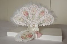 AdaBlog, White paper fun with feathers, Marianne Design LR0264