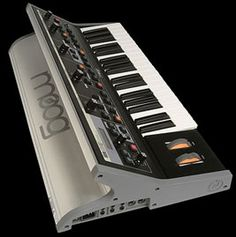 Music Machine, Drum Machine, Electronic Music Instruments, Musical Instruments, Moog Synthesizer, Electric Keyboard, Audio Store, Music Lessons, Good Music