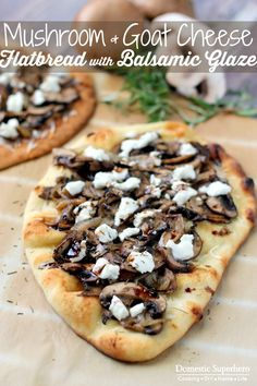 Mushroom and Goat Cheese Flatbread with Balsamic Glaze - Creamy goat cheese paired with delicious sauteed mushrooms and onions, all topped with a sweet balsamic glaze! This is the perfect quick dinner (Goat Cheese Sandwich) Goats Cheese Flatbread, Goat Cheese Pizza, Naan Pizza, Pizza Pizza, Hacks Cocina, Vegetarian Recipes, Cooking Recipes, Pizza Recipes, Mushrooms