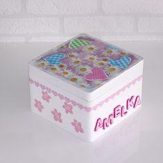 Kuferek z imieniem Twojego dziecka w A.K.Design na DaWanda.com