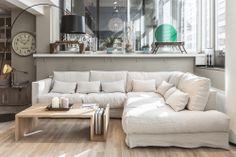 Untuvatäytteinen Heaven moduulisohva. Tämä (todella mukava) sohva on saatavana useassa eri kokoonpanossa, valitsemallasi verhoilulla.