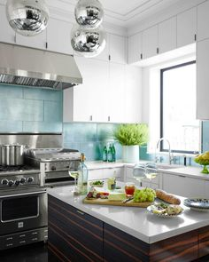 Partial stainless backsplash is perfect for wiping up splatter.