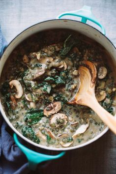 healthy food recipes chiken dinner cooking creamy French lentils with mushrooms and kale // dinner idea with legumes Whole Food Recipes, Vegan Recipes, Cooking Recipes, French Vegetarian Recipes, Vegan Food, Cooking Games, French Recipes Dinner, Healthy Lentil Recipes, Kale Soup Recipes
