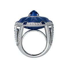 Cartier - High Jewelry ring with cabochon-cut Ceylon sapphire, carved chalcedony, diamonds and sapphires in platinum_2