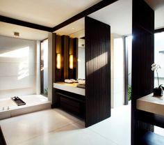 Soori Bali hotel is a luxury design hotel in Tabanan, southwest Bali, Indonesia. Soori Bali hotel offers exclusive pool villas, a spa, gym & 3 restaurants. Tropical Bathroom, Bathroom Spa, Modern Bathroom, Bad Inspiration, Bathroom Inspiration, Dream Home Design, House Design, Scda Architects, Toilette Design