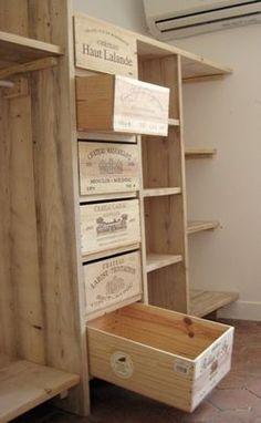 des caisses ... des étagères