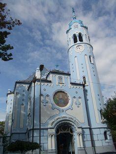la secessionista Chiesa Blu (Modry kostol) di Bratislava compie 100 anni Bratislava, San Francisco Ferry, Building, Travel, Buildings, Viajes, Traveling, Tourism, Outdoor Travel