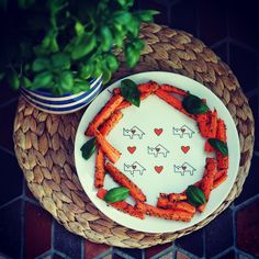 Roasted carrots on porcelain plate from 'Noso Basic' collection