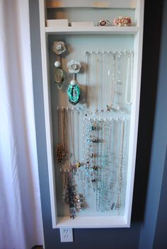 Joyero de pared / Wall jewelry box