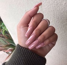 ♚queen glam♚ I love long nails. Pretty. I prefer dark colors, but also pastel and briight colors. It depends on my mood.