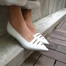 Classy white kitten heels e473e7d17
