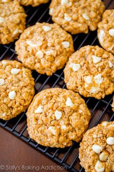 Soft & chewy oatmeal cookies made with Biscoff spread and white chocolate. No mixer required!