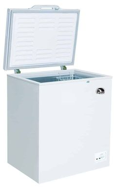 Igloo Cubic Foot Chest Freezer When you hear the name Igloo, immediately you think of cool temperatures. Igloo, the leader in refrigerators and freezers is Cool Kitchen Gadgets, Cool Kitchens, Home Appliances Sale, Chest Freezer, Appliance Sale, Animal Room, Cubic Foot, Small Places, Cool Things To Buy