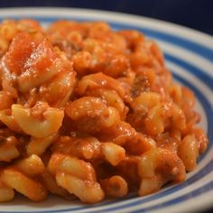 Beef & Macaroni Cheesy Casserole Recipe by Big Oven Beef Macaroni, Macaroni And Cheese Casserole, Italian Casserole, Macaroni Recipes, Casserole Recipes, Casserole Ideas, Oven Dishes, Tasty Dishes, Food Dishes