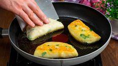 Odgryziesz kęs i zechcesz smażyć jeszcze ze 100 sztuk. Ziemniaczane calzone.  Cookrate - Polska - YouTube Pizza Lasagna, Avocado Egg, Carne, Buffet, Bakery, Food And Drink, Eggs, Potatoes, Bread