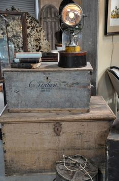 Old boxes and trunks! Paint ideas too Old Trunks, Vintage Trunks, Trunks And Chests, Antique Trunks, Wooden Trunks, Wooden Chest, Old Wooden Boxes, Old Boxes, Vintage Suitcases