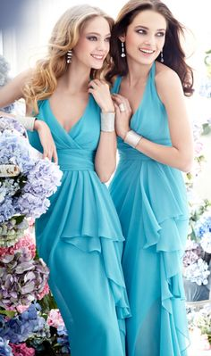 Bridesmaids in blue.  Pretty for your beach wedding...